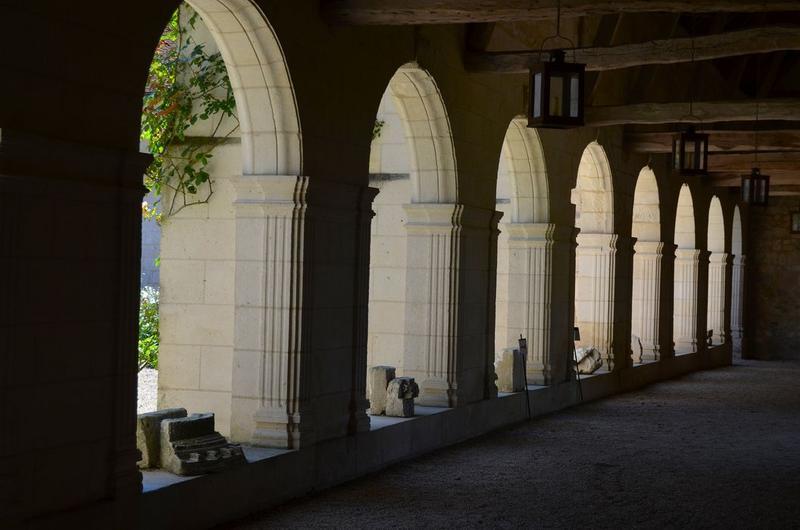 Cloître, galerie ouest, vue générale