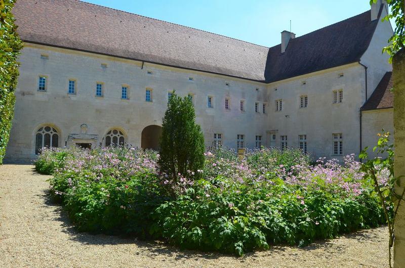 Grand logis, façades ouest et nord, vue générale