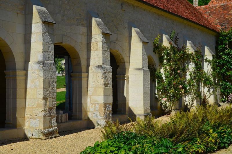 Cloître, galerie ouest, vue partielle