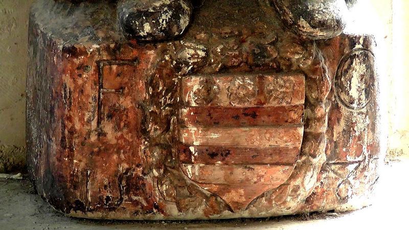 statue : sainte Valière, détail du socle