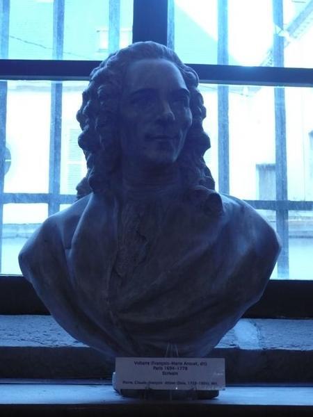 Buste de Voltaire, vue générale