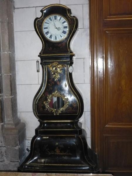 Horloge à régulateur gainée, vue générale