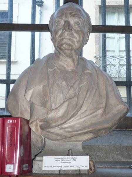 Buste de Prosper Jolyot de Crébillon, vue générale