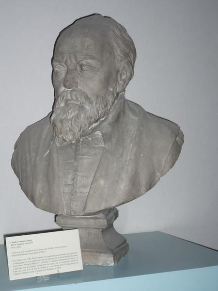 Buste du président Pierre Jeannin, vue générale