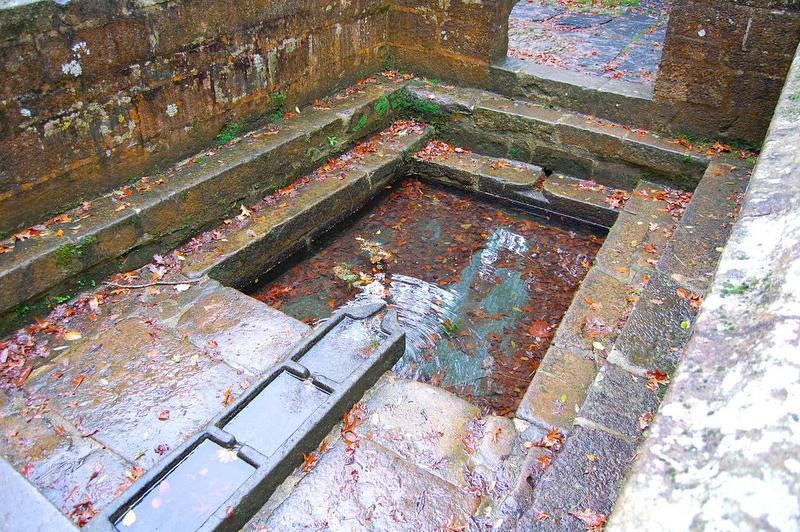 Chapelle et fontaine Notre-Dame des Fontaines