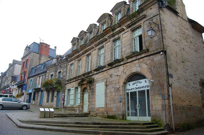 vue générale de la façade sur rue