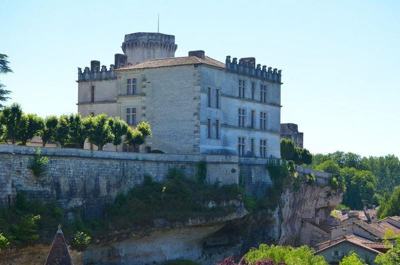 vue générale du château dans son environnement