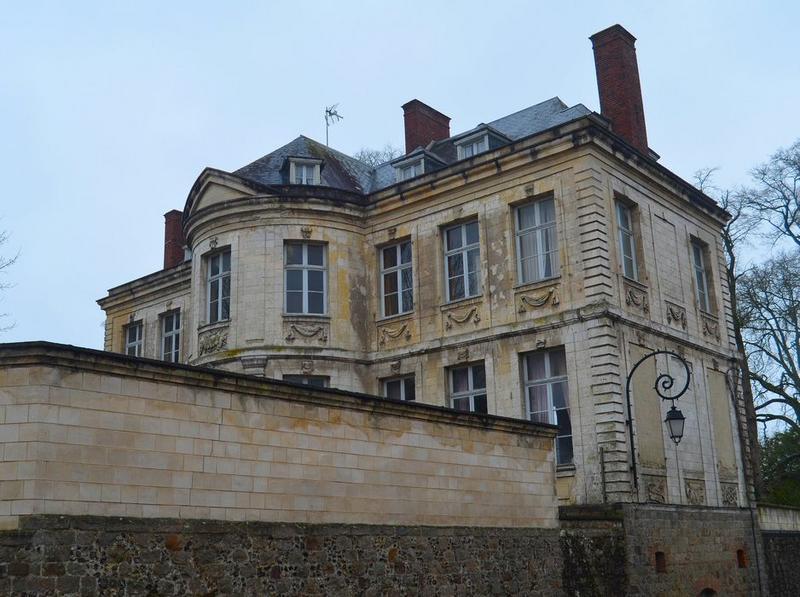 façades et nord ouest , vue partielle