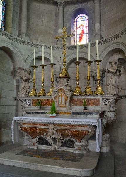 autel (maître-autel, autel tombeau), dit de Vauclaire, dit du chapitre, vue générale