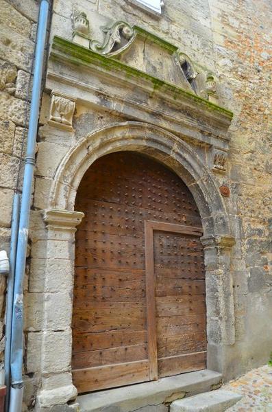 portail d'accès sur rue, vue générale