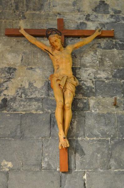 statue : Christ en croix n°3, vue générale