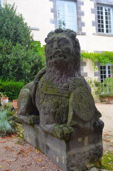 Parc, détail d'une statue