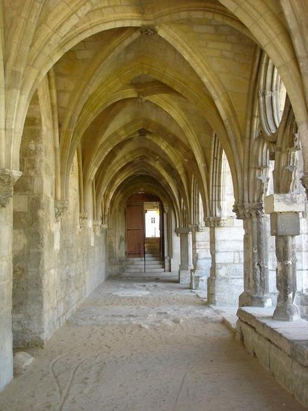 Grand cloître, galerie ouest, vue générale