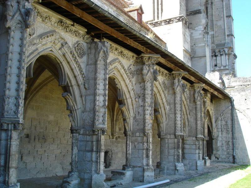 Grand cloître, galerie ouest, vue partielle