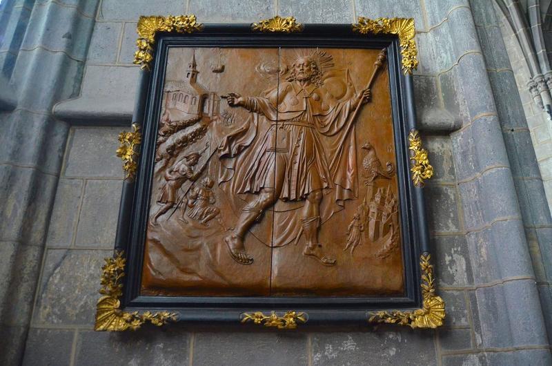 Bas-relief : saint Jacques le Majeur, vue générale