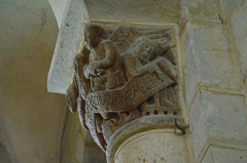 Nef, détail d'un chapiteau historié
