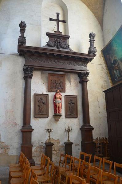 Retable secondaire (fragment), bas-reliefs : Dieu le Père, La Vierge, statue: Ecce Homo, vue générale