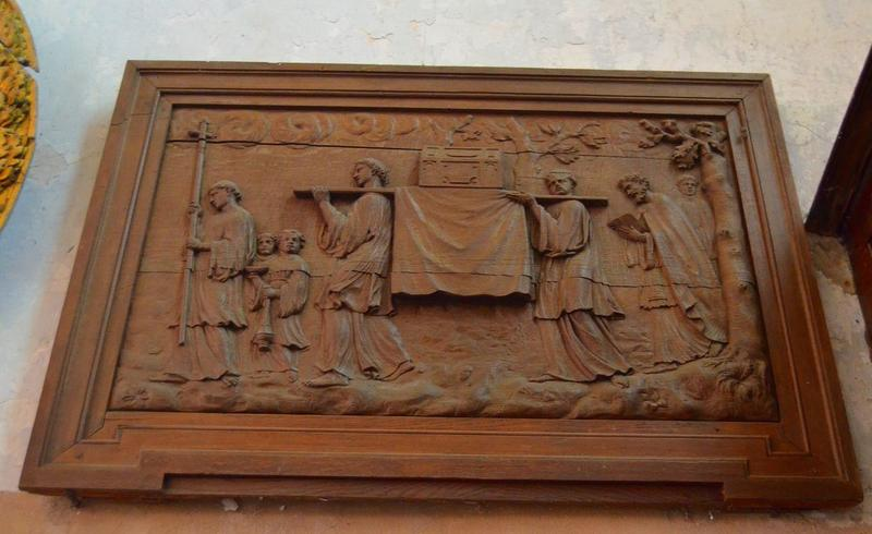 Bas-relief: procession des reliques de saint Séverin, vue générale