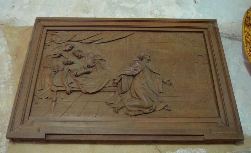 5 bas-reliefs : Saint Séverin guérissant Eulalius, évêque de Nevers, Saint Séverin guérissant un lépreux, Le Christ remettant les clés à saint Pierre, Saint Séverin guérissant le roi Clovis, La Procession des reliques de saint Séverin
