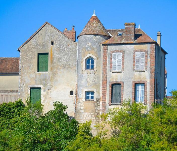Maison bâtie sur les anciennes fortifications, façade sud, vue générale