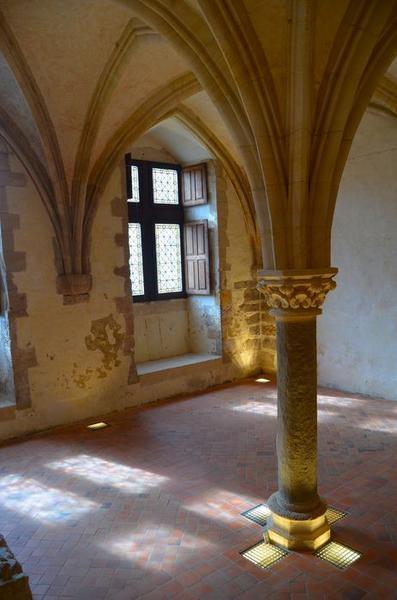 Salle du rez-de-chaussée, au nord du cellier, vue partielle