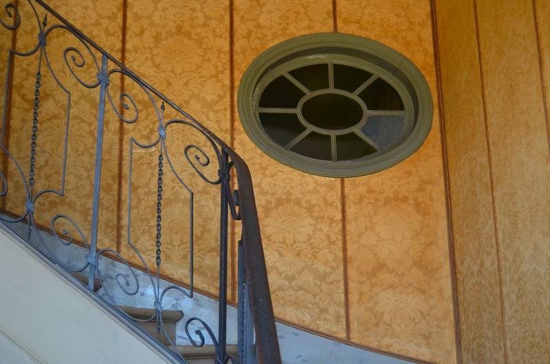 Aile est, escalier secondaire, vue partielle