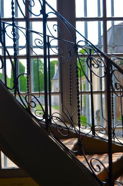 Aile ouest, escalier secondaire, détail
