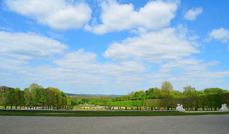 Vue générale du parc depuis la terrasse du château