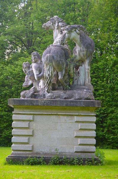 Groupe sculpté: les chevaux d'Apollon, vue générale
