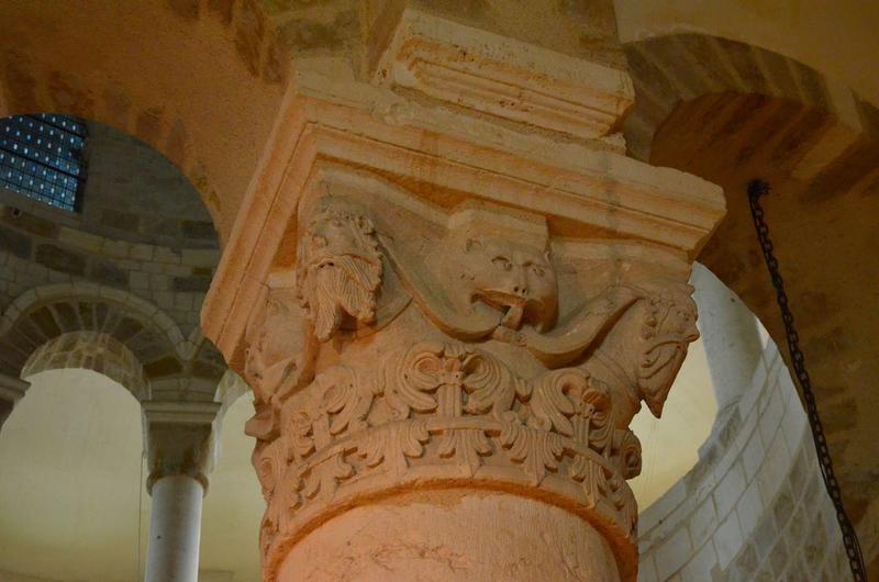 Rotonde, détail d'un chapiteau