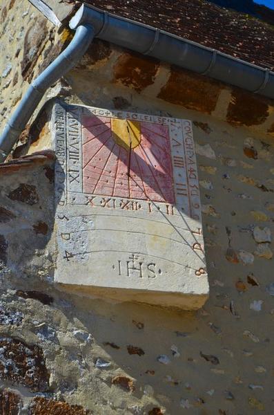 Flanc sud, détail: cadran solaire