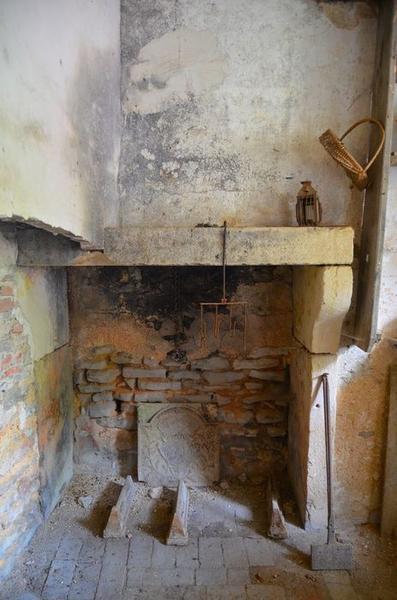 Logement ouvrier, détail d'une cheminée