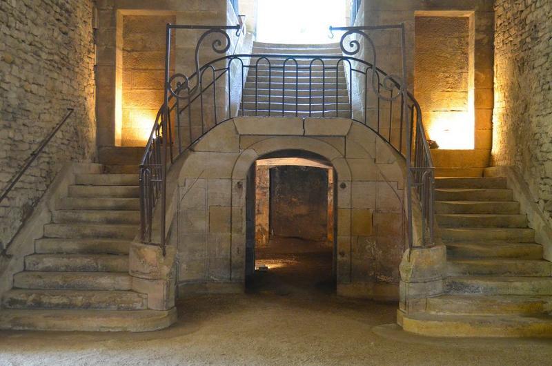 Haut fourneau, grand escalier, vue générale