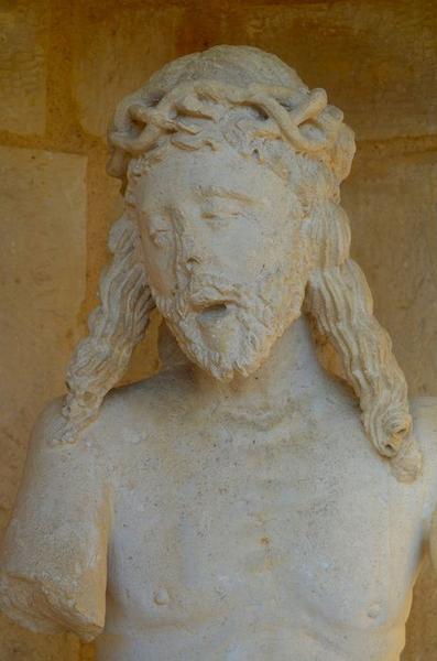Statue : Christ de Pitié, vue partielle