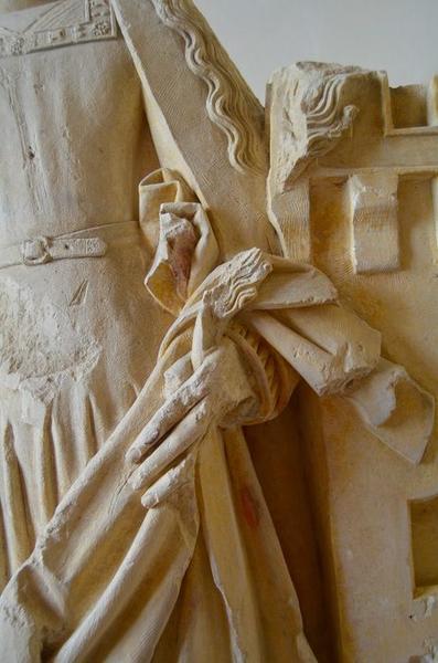 Statue: sainte Barbe, détail