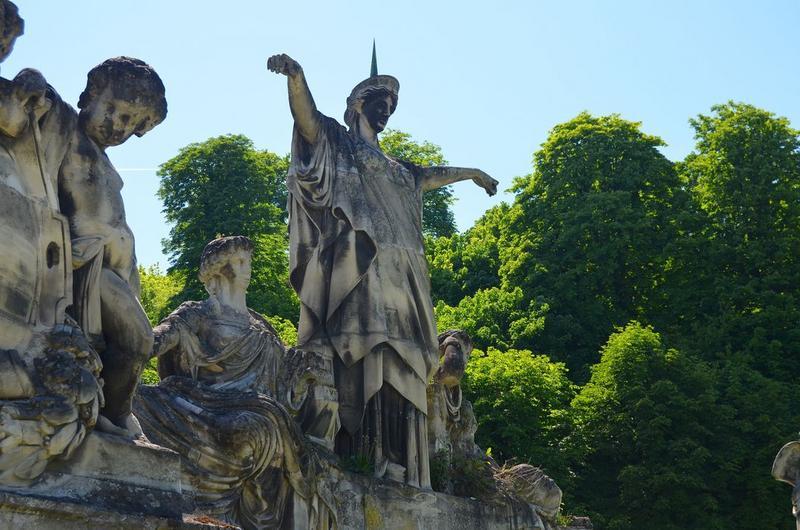 Groupe sculpté, vue partielle