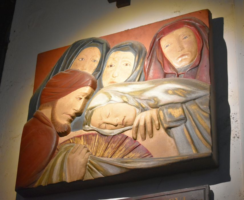 Chemin de croix : quatorze reliefs