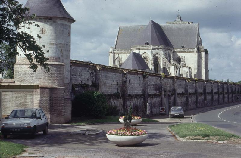 Fortification d'agglomération ou enceinte urbaine