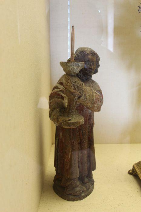 Deux statues : Anges céroféraires