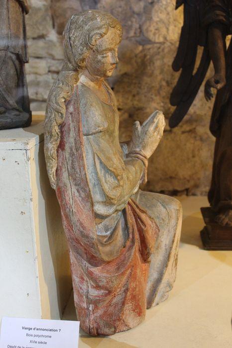 Statue : Ange ou Sainte