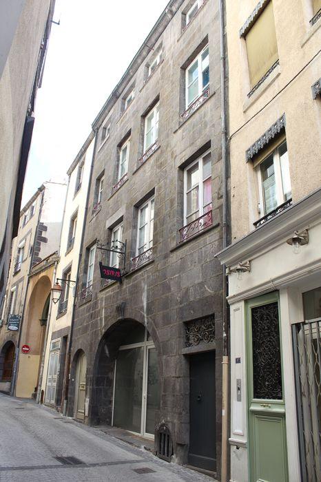 façade Nord sur rue, vue générale