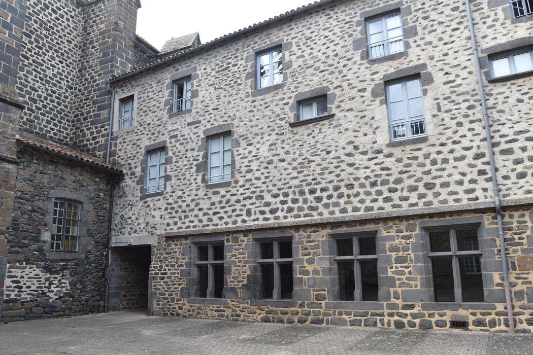 aile ouest, façade est, vue générale