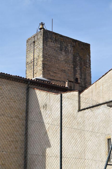 Ancienne tour des Cordeliers, actuellement englobée dans les bâtiments du lycée