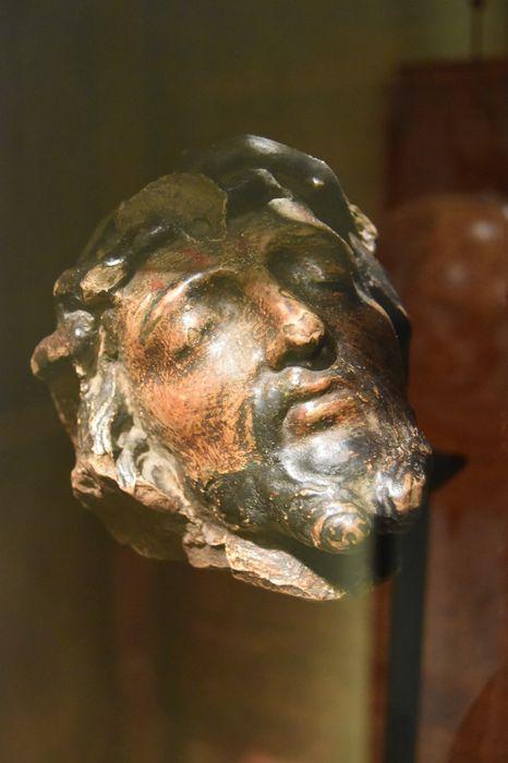 sculpture : Tête de Christ, vue générale