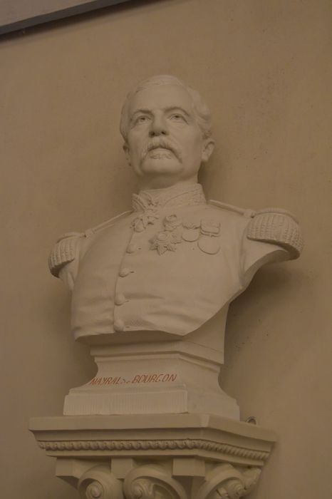 Buste : Nayral de Bourgon