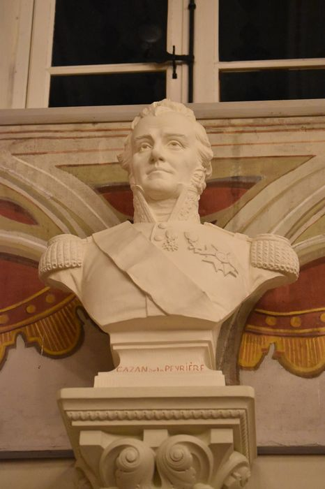 buste : Comte Gazan de la Peyrrière, vue générale
