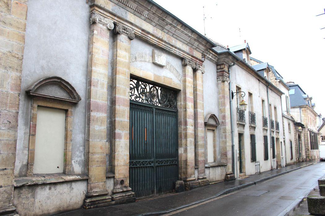 Couvent des Carmes, puis de la Visitation (ancien): Porche d'accès sur rue, vue générale