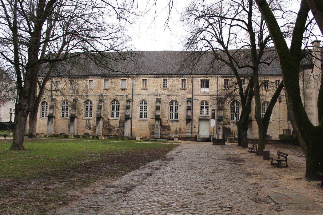 Ancienne abbaye Saint-Bénigne: Ancien cloître, aile est, façade ouest, vue générale