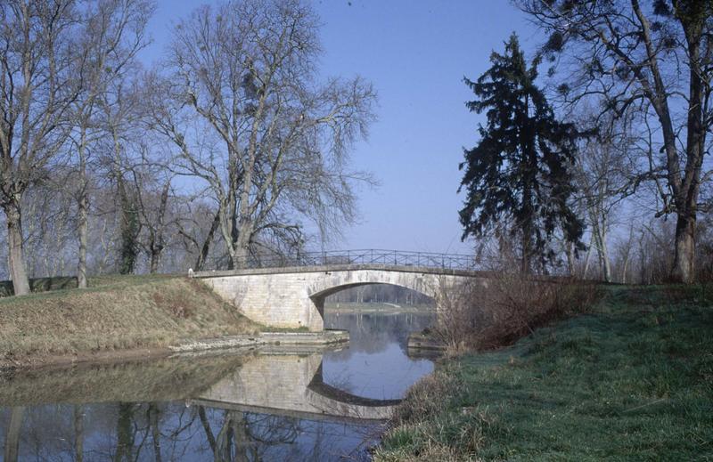 Site d'écluse de Mantelot et des Combles (canal latéral à la Loire)