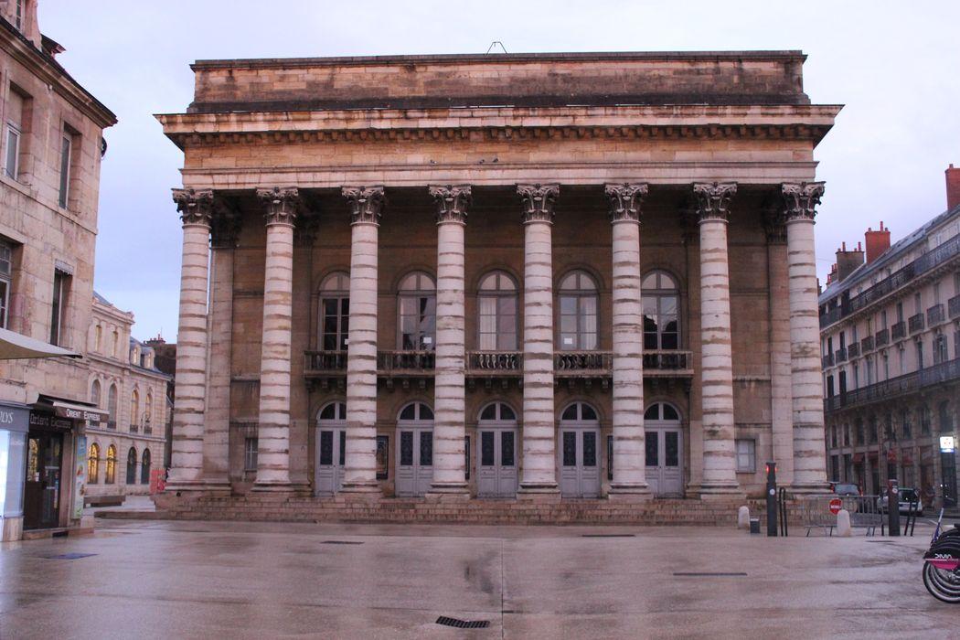 Théâtre: Façade sud, vue générale